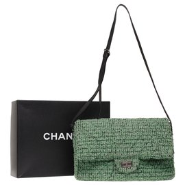 Chanel-Chanel Large Bag 2.55 in green tweed, Black leather shoulder strap, Garniture en métal argenté-Green