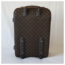 Louis Vuitton-Luggage-Brown
