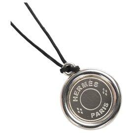 Hermès-Hermes Silver Clou de Selle Pendant Necklace-Black,Silvery