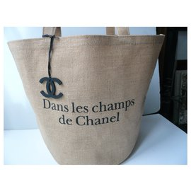 """Chanel-CHANEL New """"In the Fields"""" fashion show collector bag LARGE MODEL-Beige"""