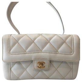 Chanel-Diana shoulder-White