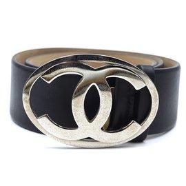 Chanel-Taille de boucle ovale Chanel Black CC Silver 80/32 Ceinture en cuir-Noir