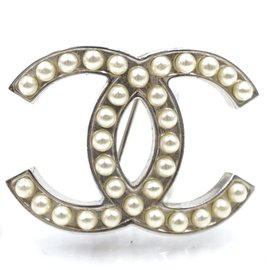 Chanel-Chanel Silver Pearls Timeless CC Brooch-Silvery