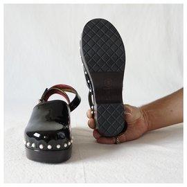 Chanel-Clogs-Black