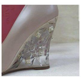Valentino-Escarpins en cuir compensés cloutés cloutés Nude Valentino Taille 38,5-Beige