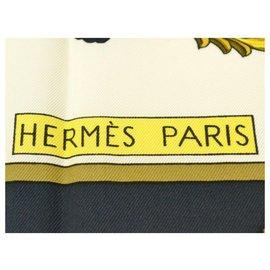 Hermès-Echarpe Hermès-Doré