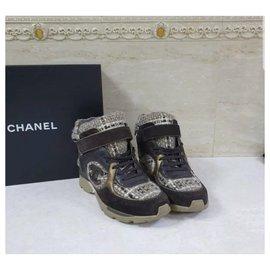 Chanel-CHANEL Logo CC Baskets montantes à lacets en tweed marron Sz.38 auth-Multicolore