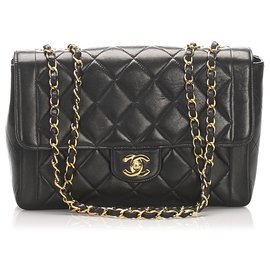 Chanel-Chanel Black Medium Lambskin Leather Single Flap Bag-Black