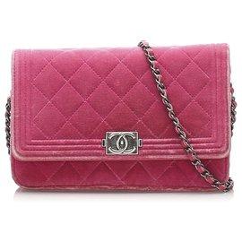 Chanel-Portefeuille Chanel en velours rose matelassé garçon sur chaîne-Rose