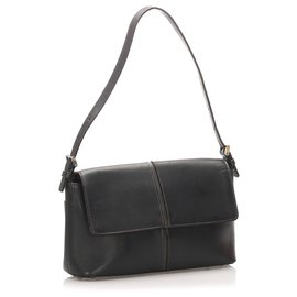 Burberry-Burberry Black Leather Baguette-Black