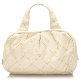 Chanel-Chanel White CC Wild Stitch Leather Handbag-White