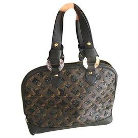 Louis Vuitton-JC110024-Dark brown