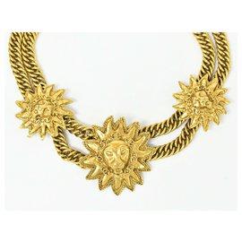 Chanel-Chanel Médaillon-Golden