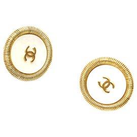 Chanel-Chanel White CC Clip On Earrings-White,Golden
