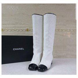 Chanel-Chanel 2017 White Glitter CC Logo  Boots Sz.39-White