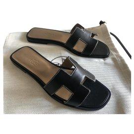 Hermès-HERMES ORAN SANDALS NEW BLACK-Black