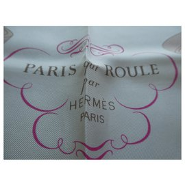 Hermès-Paris square which rolls pale pink with its box-Pink