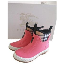 Burberry-Rain boots check-Pink