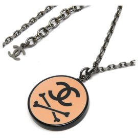 Chanel-Chanel Silver CC Skull Pendant Necklace-Silvery,Multiple colors