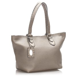 Fendi-Fendi Brown Selleria Leather Shoulder Bag-Brown,Bronze