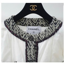 Chanel-Chanel 18A White Black Tweed Quilt Puffer Jacket Coat-White