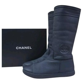 Chanel-Chanel Black Leather Winter Boots Sz. 40-Grey