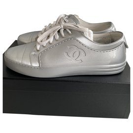 Chanel-CHANEL SILVER SNEAKERS , taille 40,5-Silvery