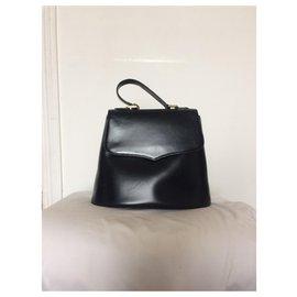 Yves Saint Laurent-charm-Black