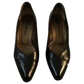 Yves Saint Laurent-Vintage Yves Saint Laurent pumps-Black
