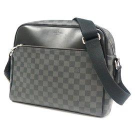 Louis Vuitton-LOUIS VUITTON Dayton MM Mens shoulder bag N41409-Other