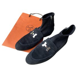 Hermès-honored Saint-Black