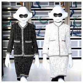 Chanel-NEW Robo skirt-Black