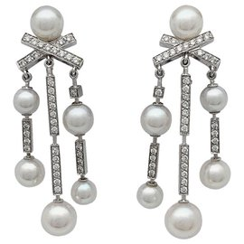 """Chanel-Chanel """"Matelassé"""" model earrings in white gold, DIAMONDS AND PEARLS.-Other"""