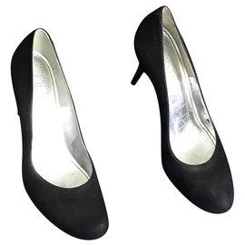 Free Lance-Heels-Black