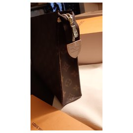 Louis Vuitton-TOILET POCKET 26-Dark brown