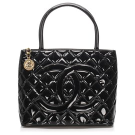 Chanel-Chanel Black Medallion Patent Leather Tote Bag-Black
