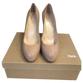 Christian Louboutin-Simple pump-Beige