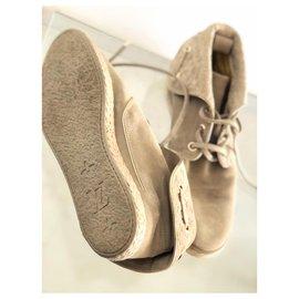 Louis Vuitton-Sneakers-Beige