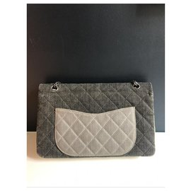Chanel-Sac Chanel Reissue 2.55-Grey