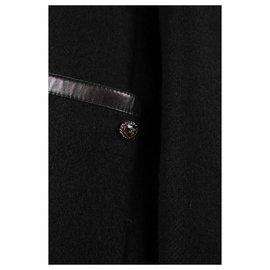 Chanel-manteau en cuir-Noir