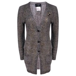 Chanel-4,6K$ brooch cardigan-Grey
