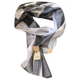 Burberry-Burberry Grey Wool Silk Check Scarf-Grey