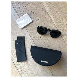 Bulgari-Des lunettes de soleil-Noir