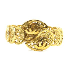 Chanel-Chanel Gold CC Cutout Wide Bangle-Golden