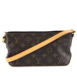 Louis Vuitton-Louis Vuitton Trotteur Monogram Canvas-Brown