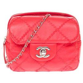Chanel-Lovely Chanel mini bag / wallet in red leather, Garniture en métal argenté-Red