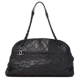 Chanel-Mademoiselle-Black