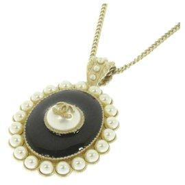 Chanel-Chanel White CC Pearl Pendant Necklace-Black,White