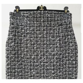 Chanel-Chanel Tweed Mini Skirt size 44-Grey