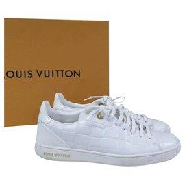 Louis Vuitton-Louis Vuitton White Leather Low Top Sneakers Sz. 39-White